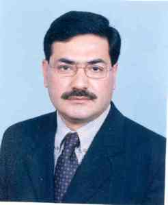 "Senator Zafar Iqbal Choudhary, who thinks Asaf is ""Superstar of Pakistan"""