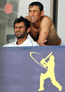 When Malik was captain, Younus Khan stood behind him, but now Malik backstabs Younus Khan