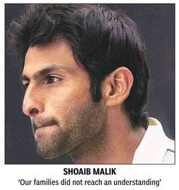 Shoaib Malik - The tightlipped politician who should not be in the team