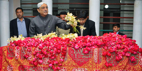 ZARDARI'S FUTURE IS AT BENAZIR'S SHRINE